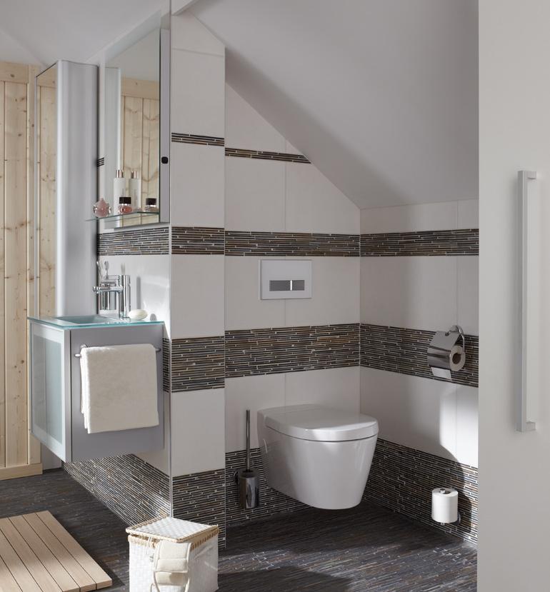 Naturstein-Mosaik in Kombination mit keramischem Belag