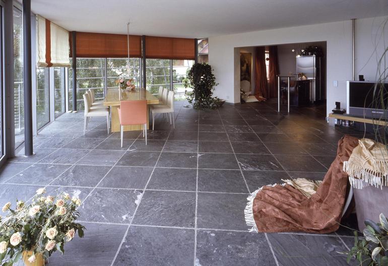 Bodenbelag aus Salzburger marmor Dunkelblau
