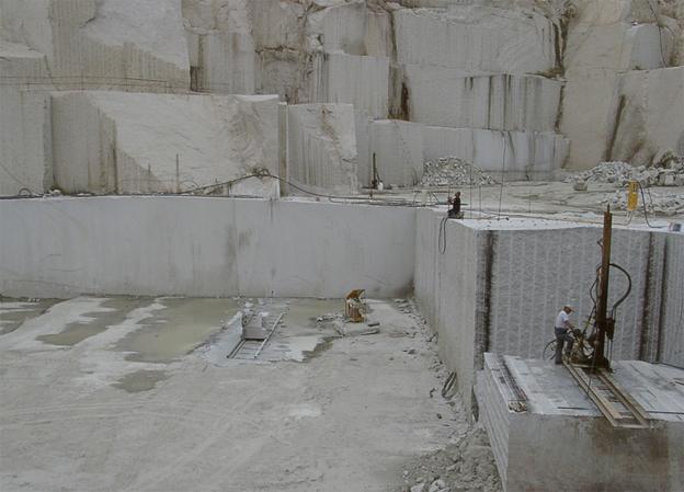 Granitbruch Bianco Sardo auf Sardinien