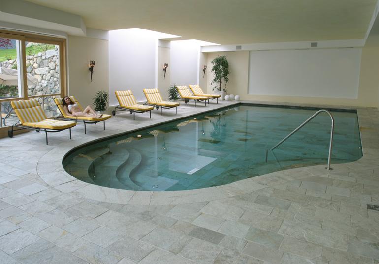 Schwimmbad Naturstein Silberquarzit